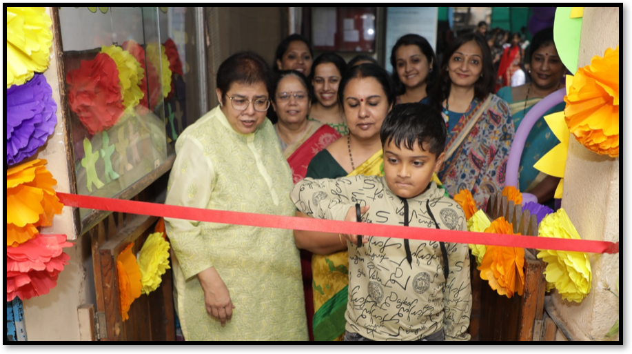 Inauguration of Balmela on the theme of Artistic Expressions at the hands of child artist, Master Amrut Gaikwad